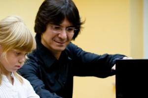 Rustam Salaev / Klavier